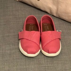 New Pink Toms size 6